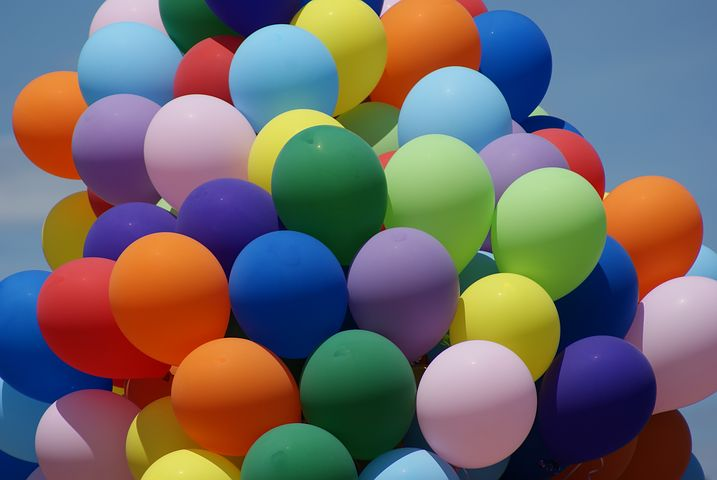 different colored balloons
